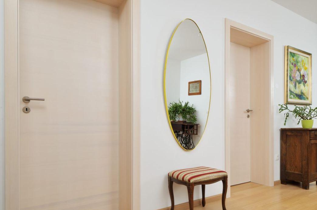Enostavna lesena notranja vrata