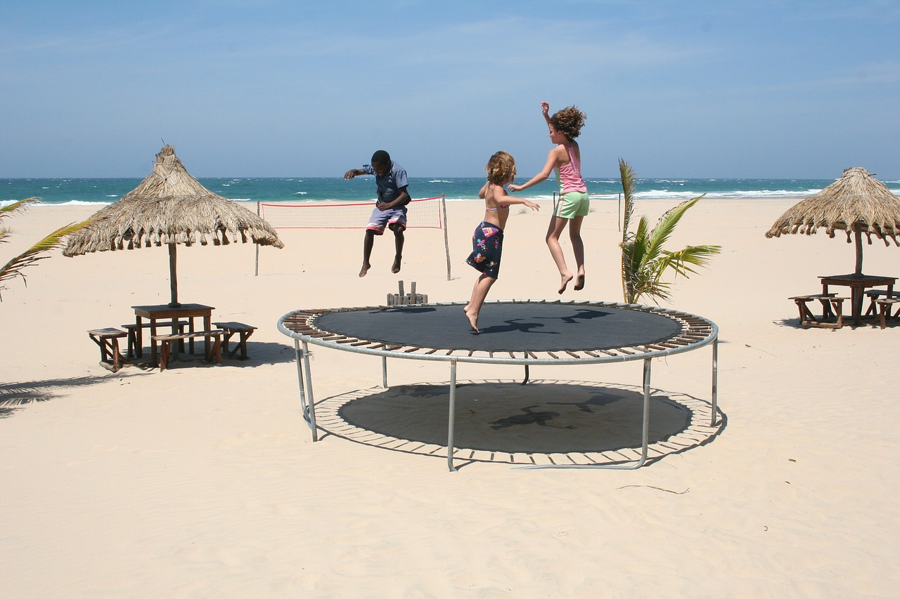 trampolin za otroke