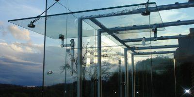 Stekleni nadstreški