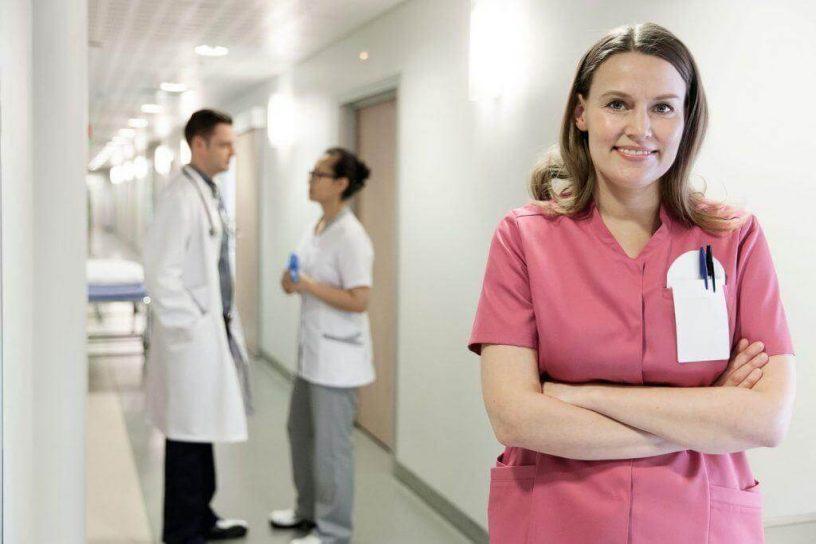 delovna obleka medicinske sestre