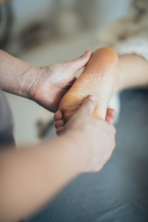 Refleksoterapija ali masaža stopal