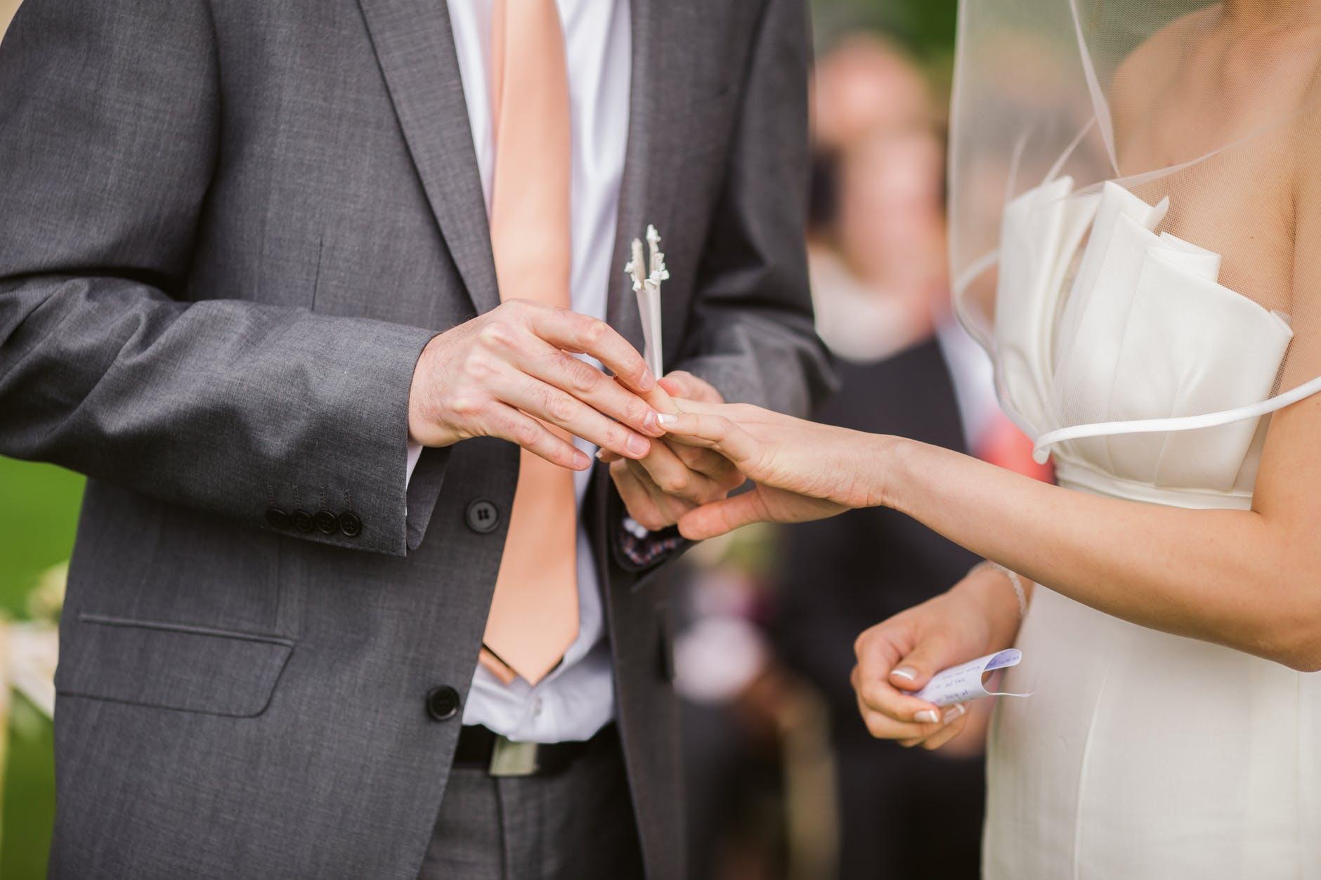 Poročna prstana si lahko izdelata sama